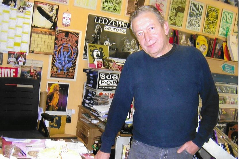 Karl-Heinz im Jahre 2009 im Plattenladen in der Paulinenstraße 44
