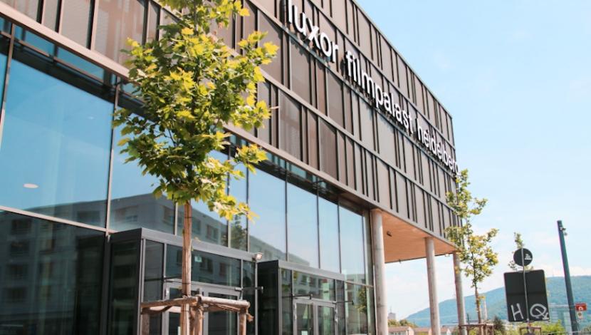 Der Luxor Filmpalast in Heidelberg mit geschlossenen Türen.