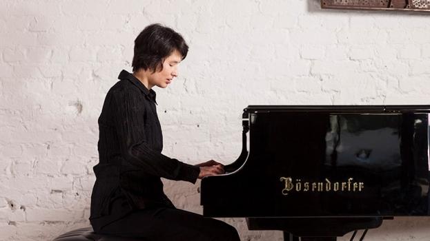 Kraftvoll am Klavier